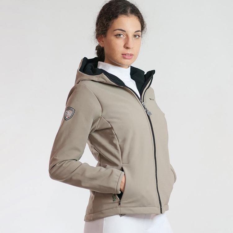 Eleganza, comfort e innovazione per i capi d'abbigliamento firmati ForHorses 3